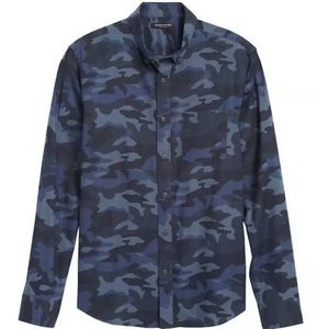 Banana Republic Luxe Flannel Untucked Shirt